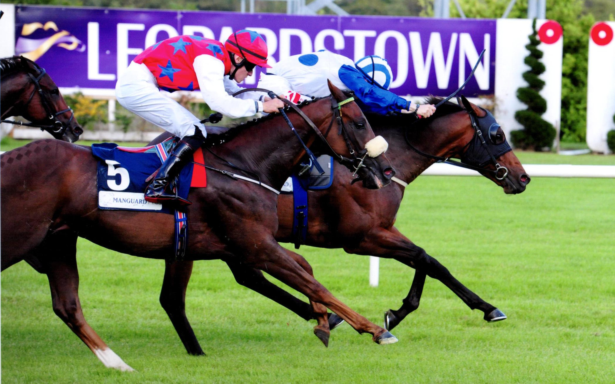 TONY THE GENT clocks up his 5th career win for Séan Jones at Leopardstown, 15th August 2019