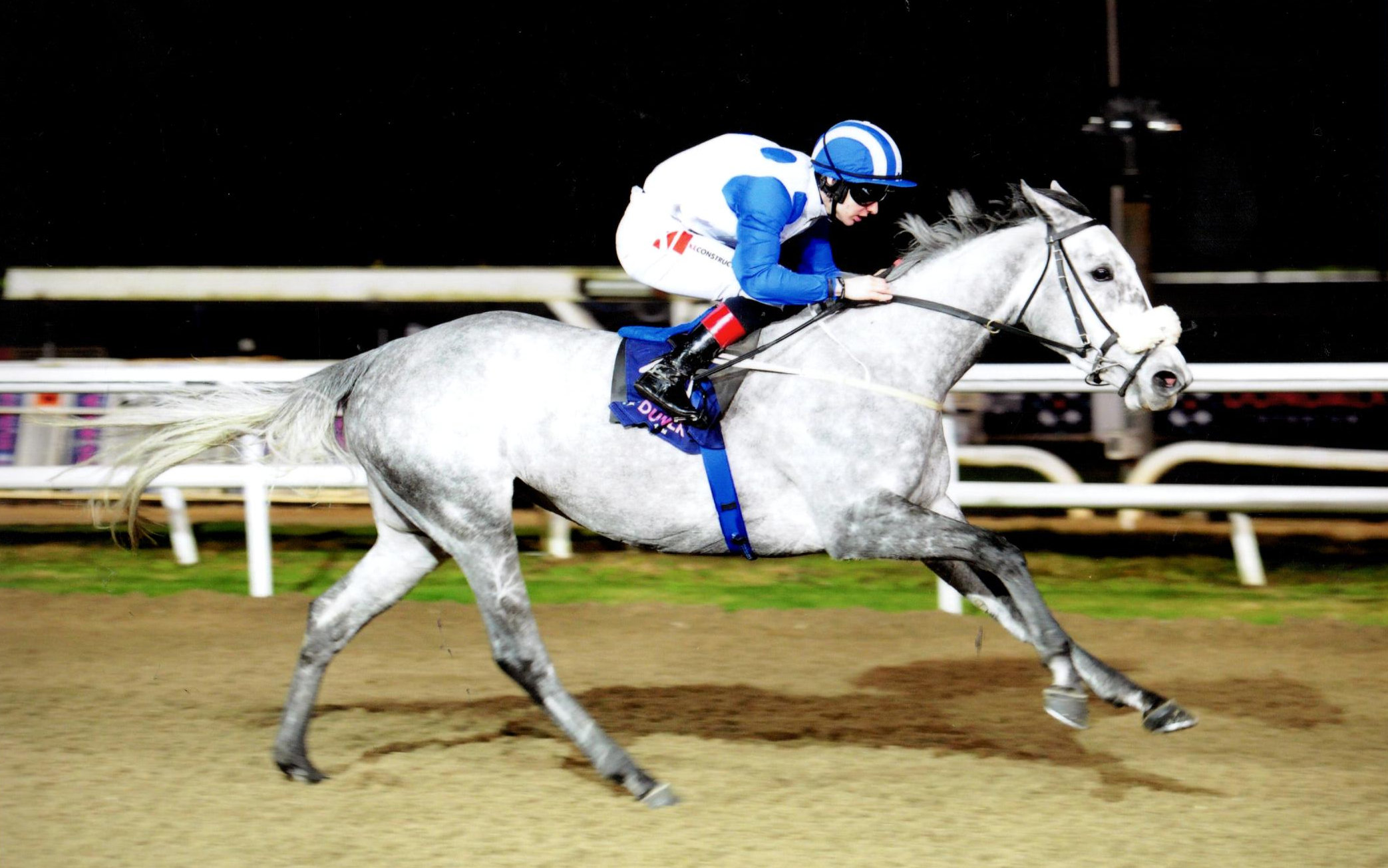 ELA KATRINA is an easy winner of the Irishinjuredjockeys.com M´dn (1m2f) at Dundalk, 10 Jan 2020.